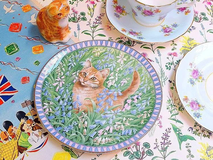 ネコの絵皿